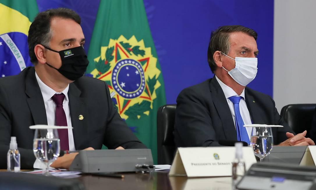 Bolsonaro e Rodrigo Pacheco participam da 3ª Reunião do Comitê de Coordenação Nacional para Enfrentamento da Pandemia da Covid-19. Foto: Marcos Correa / Divulgação