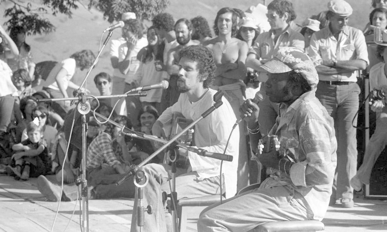 Gonzaguinha faz participação em Show de Milton Nascimento em Três Pontas, em agosto de 1977 Foto: Paulo Moreira / Agência O Globo