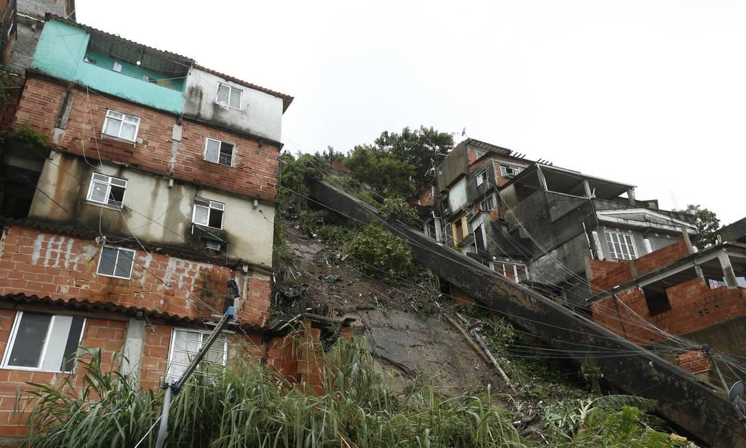 O local do deslizamento no Pavão-Pavãozinho Foto: Fabiano Rocha / Agência O Globo