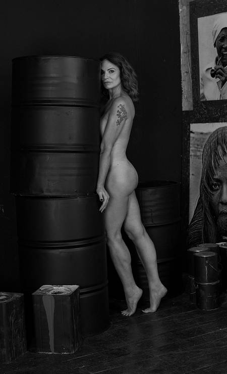 Luiza Brunet, nua para a ELA Foto: Ernesto Baldan