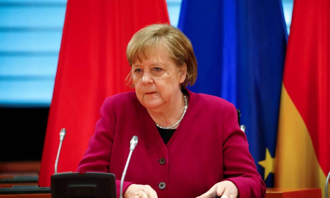 Chanceler alemã, Angela Merkel, durante conferência com o premier chinês Li Keqiang, no dia 28 de abril Foto: MICHELE TANTUSSI / AFP