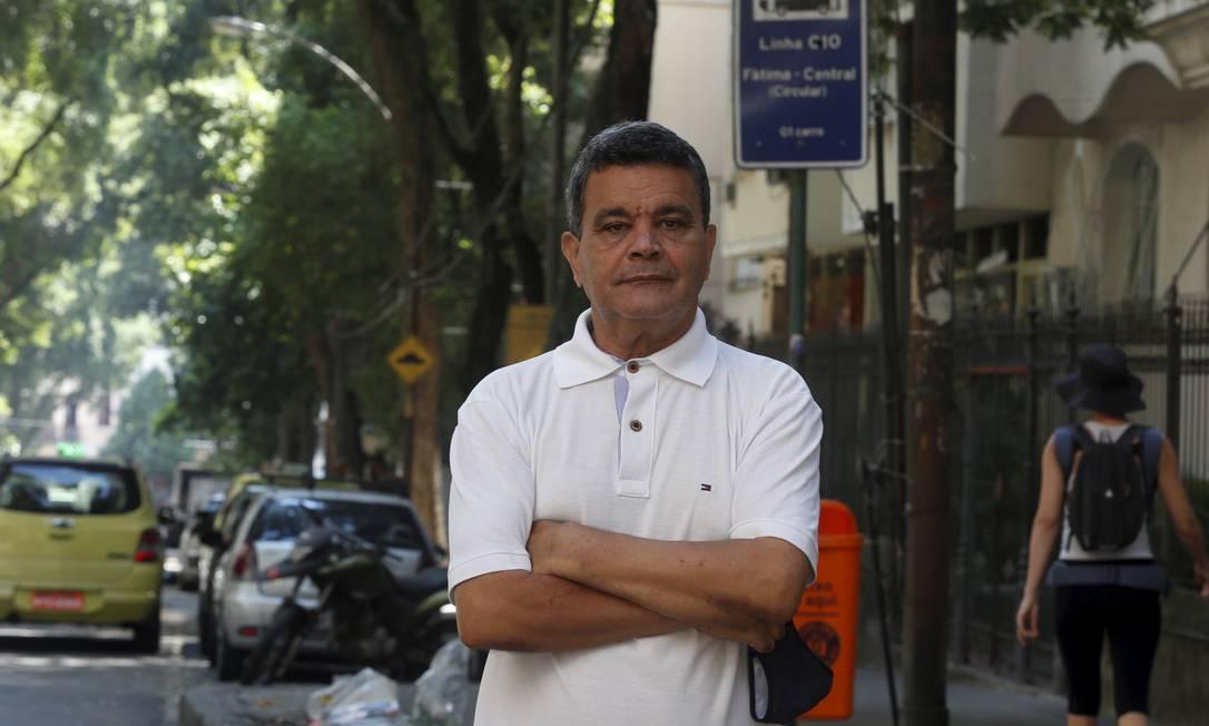 Berenaldo ainda está à espera da volta da 010 ao Bairro de Fátima Foto: Fabiano Rocha / Agência O Globo