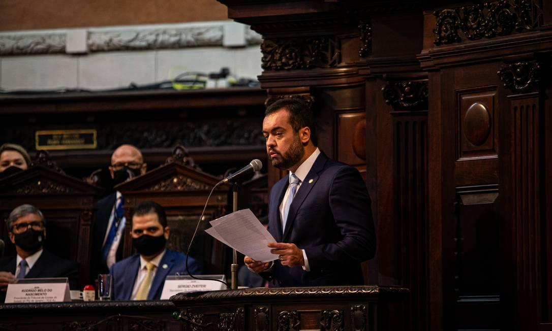 Cláudio Castro durante sua posse como governador na Alerj, neste sábado Foto: Hermes de Paula / Agência O Globo