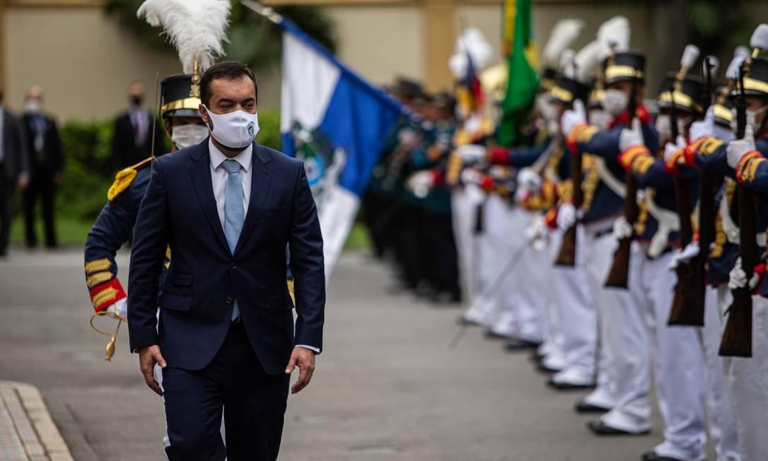 Castro durante sua primeira chegada ao Palácio Guanabara como governador do estado Foto: Hermes de Paula / Agência O Globo