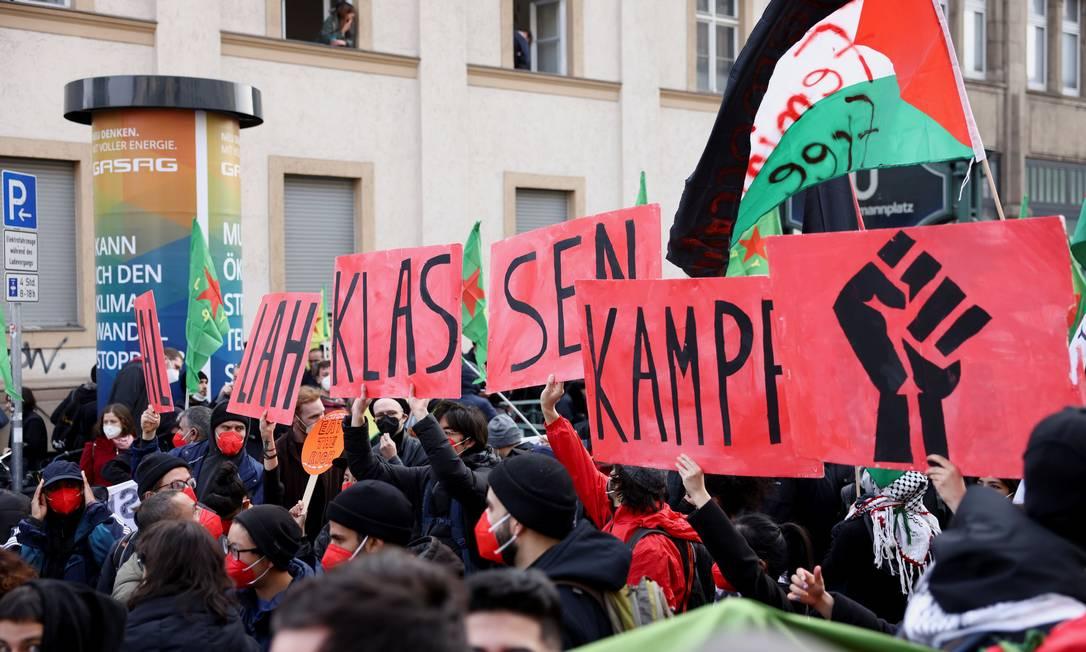 Manifestação esquerdista do Dia de Maio, em Berlim, Alemanha Foto: CHRISTIAN MANG / REUTERS