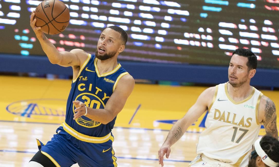 Stephen Curry em ação pelo Golden State Warriors contra o Dallas Mavericks Foto: Kyle Terada / USA TODAY Sports