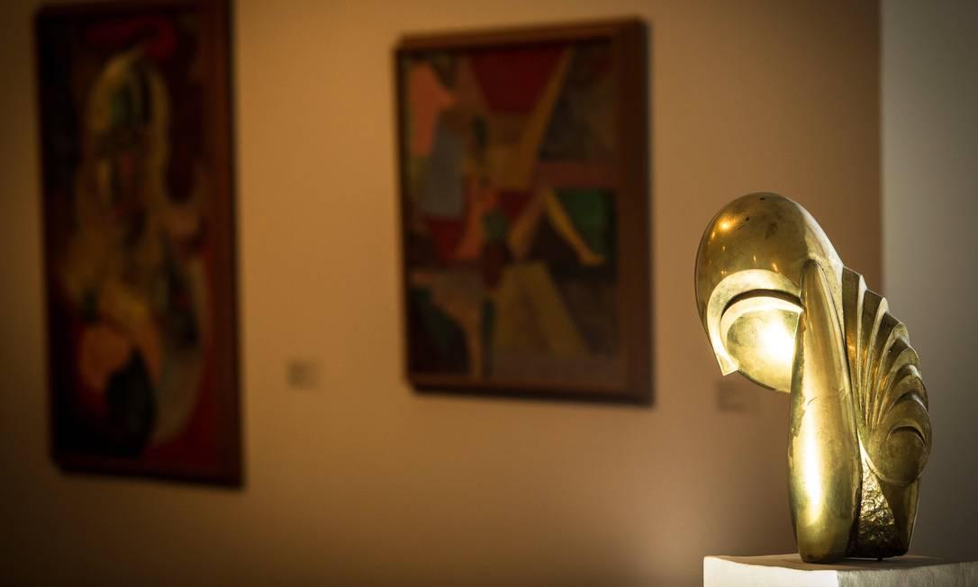 Tesouros dos acervos: obra de Constantin Brancusi no acervo do MAM. Foto: Roberto Moreyra / Agência O Globo