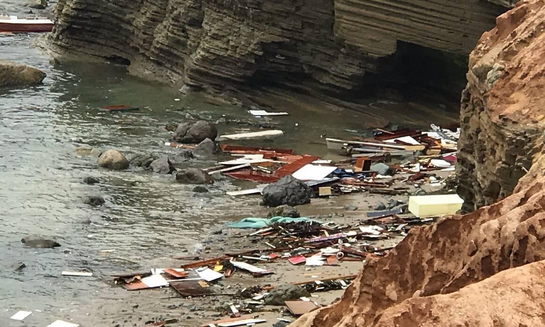 Polícia investiga naufrágio de barco com 29 pessoas em San Diego, nos EUA Foto: Divulgação/San Diego Fire-Rescue