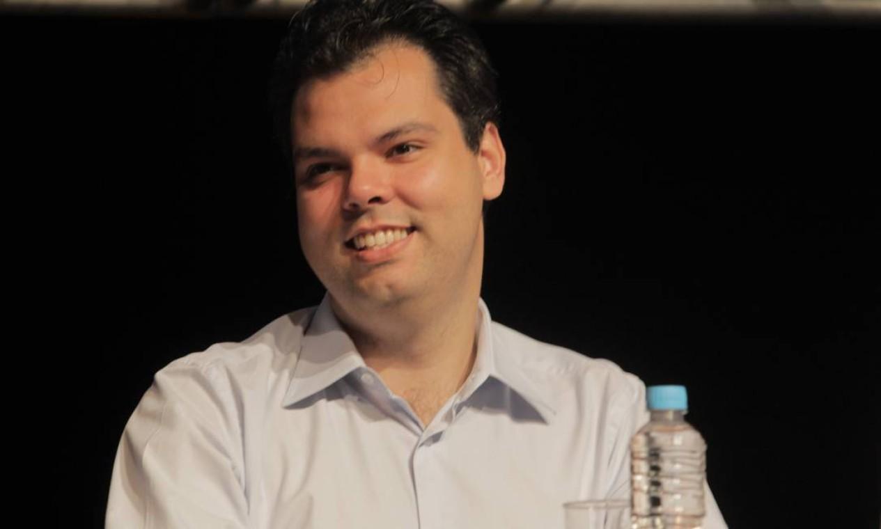 Covas em 2011, durante palestra do ex-presidente Fernando Henrique, promovida pelo PSDB, no teatro FAAP Foto: Eliária Andrade / Agência O Globo - 22/10/2011