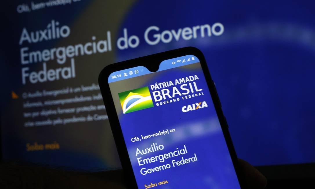 Aplicativo e site para Auxilio Emergencial Foto: Lucas Tavares/Zimel Press / Agência O Globo