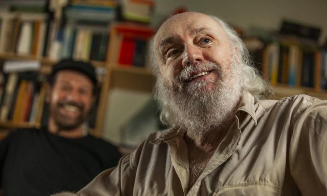 O compositor e escritor Aldir Blanc em cena de documentário sobre sua obra Foto: Micael Horchman