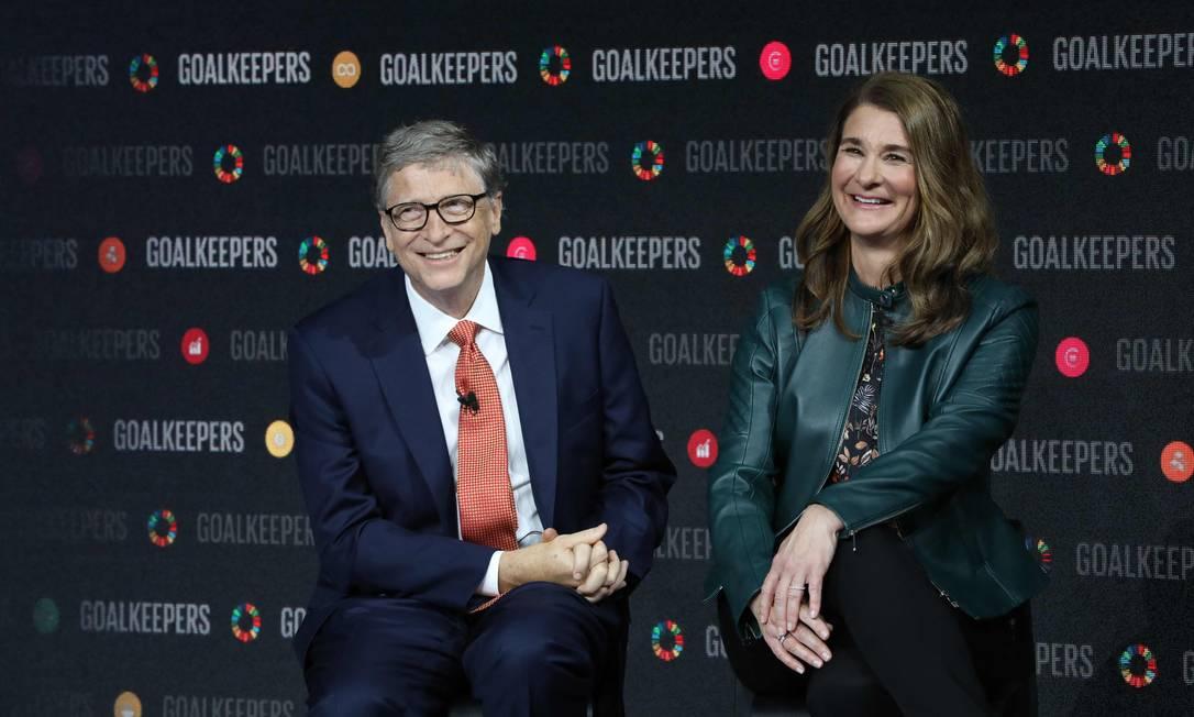 Bill Gates e sua esposa Melinda Gates durante apresentação em um evento no Lincoln Center, em Nova York. Casal anunciou processo de divórcio após 27 anos de casamento Foto: LUDOVIC MARIN / AFP - 26/09/2018
