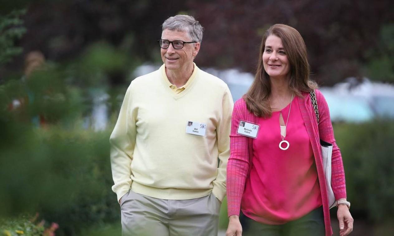 Bill Gates, presidente e fundador da Microsoft, e sua esposa Melinda. Anúncio de divórcio de um dos casais mais ricos do mundo, com patrimônio líquido estimado em cerca de US$ 130 bilhões, foi feito no Twitter Foto: SCOTT OLSON / AFP - 11/07/2015