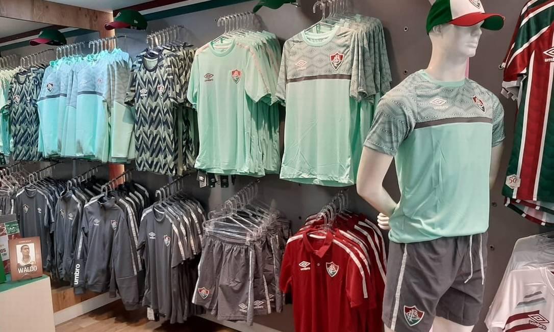 Lojas oficiais já estão vendendo parte da nova coleção Foto: Divulgação/Fluminense FC
