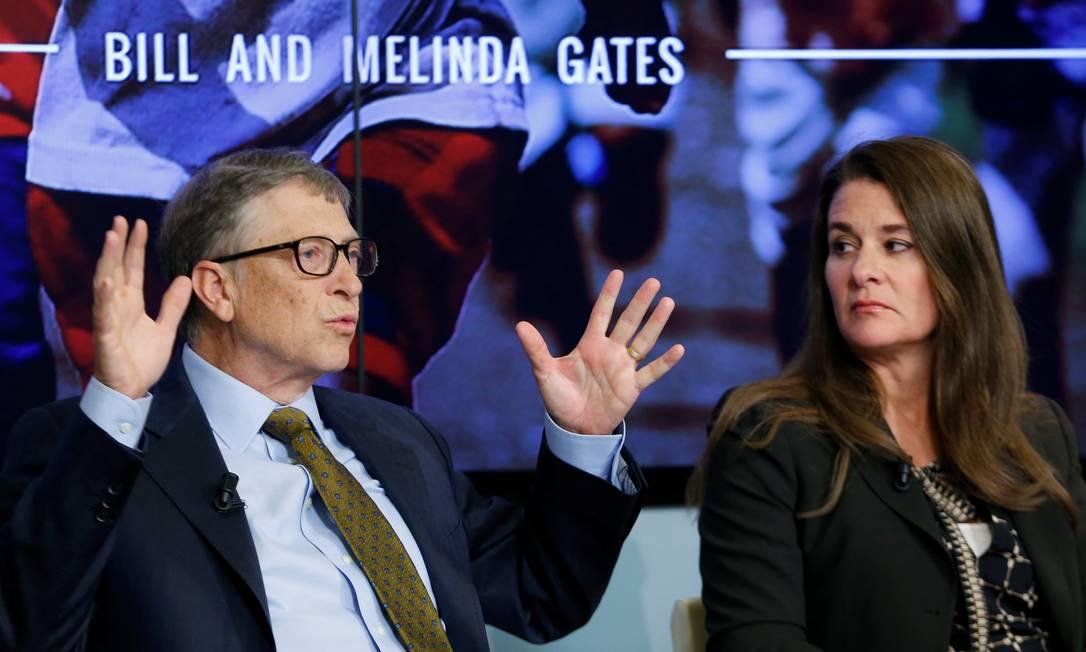 Bill e Melinda Gates em debate sobre desenvolvimento sustentável em 2015. Casal, dono de uma fortuna de mais de US$ 100 bilhões anunciou que vai se separar após 27 anos de casamento Foto: Francois Lenoir / REUTERS