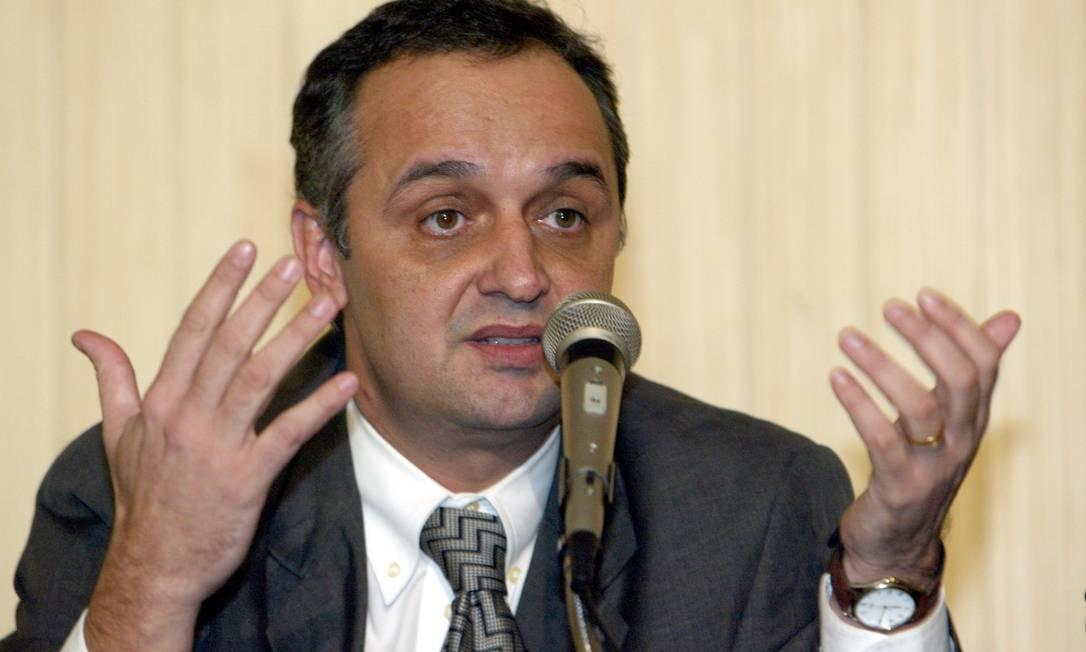 Nelson Rocha em coletiva durante o governo Benedita da Silva, em 2002 Foto: Sérgio Borges / Sérgio Borges