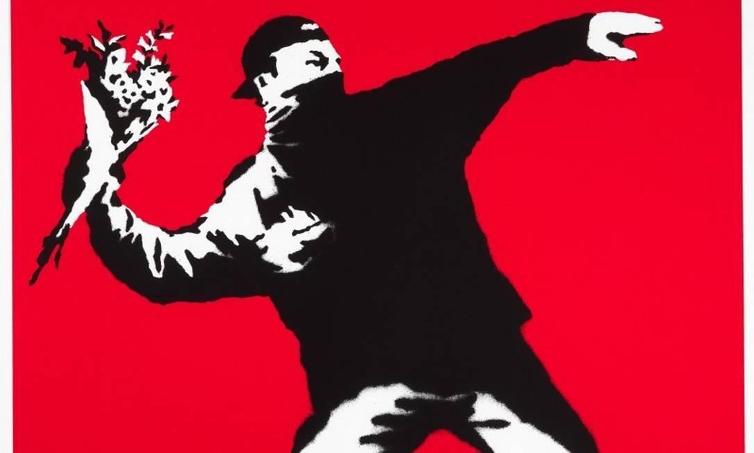 "Grafite ""Love is in the air"", de Banksy Foto: Reprodução"