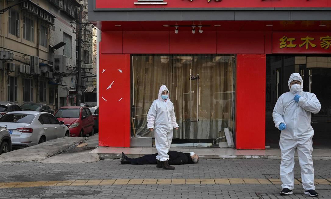 Vírus foi identificado a primeira vez em Wuhan, na China Foto: HECTOR RETAMAL/AFP / AFP