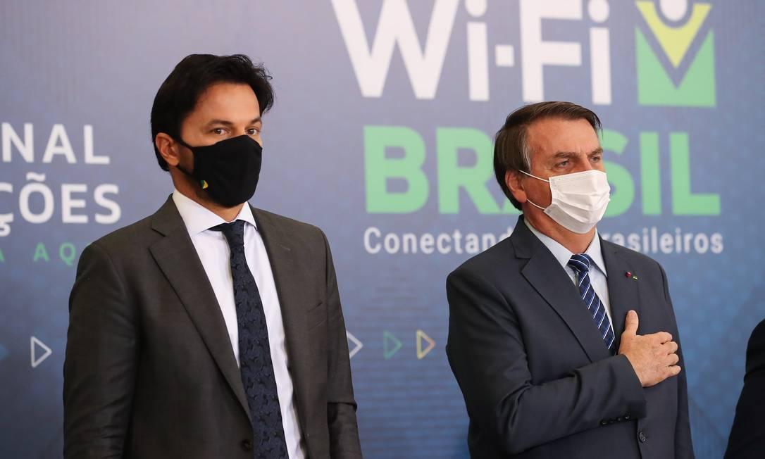 O presidente Jair Bolsonaro e o ministro das Comunicações, Fábio Faria, participam de evento no Palácio do Planalto Foto: Marcos Corrêa/Presidência