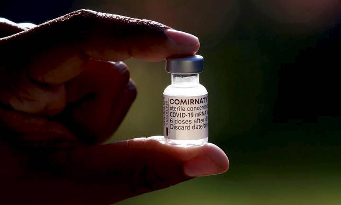 Vacina da Pfizer aplicada no Rio Foto: Marcos de Paula/Divulgação / Prefeitura do Rio