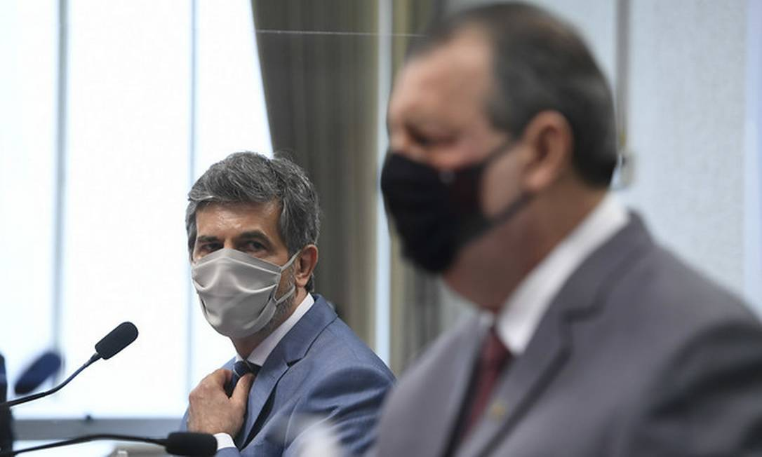 Ex-ministro da Saúde Nelson Teich durante depoimento na CPI da Covid com o presidente da comissão Omar Aziz Foto: Edilson Rodrigues/Agência Senad