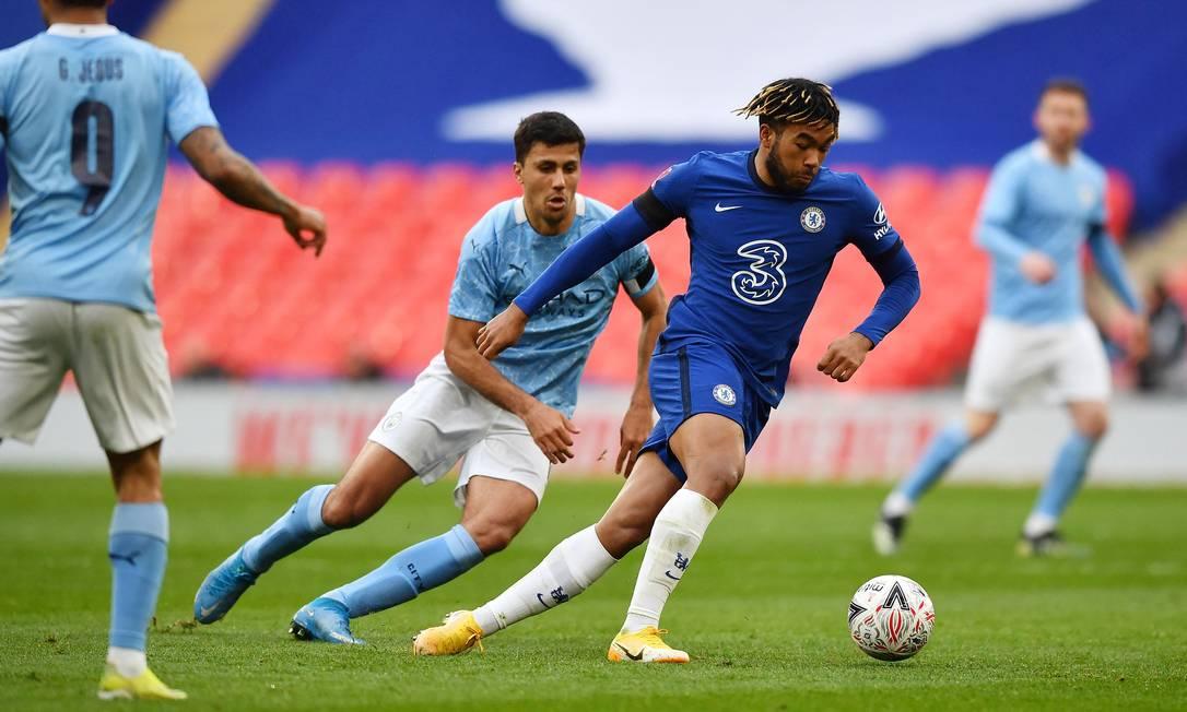 """Chelsea e Manchester City se enfrentam em um """"teste"""" da final da Champions Foto: BEN STANSALL / AFP"""