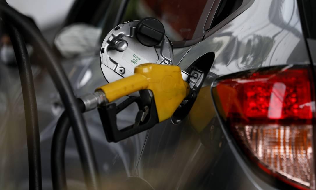 Os combustíveis têm parcela significativa de seu preço composto por impostos federais e estaduais, como o ICMS Foto: Luiza Moraes / Agência O Globo