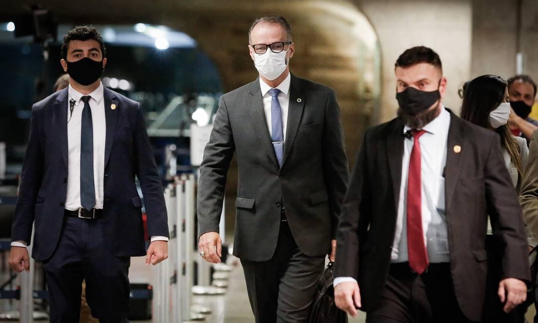 Diretor da Agência Nacional de Vigilância Sanitária (Anvisa), Antônio Barra Torres, chega ao Senado para depor na CPI da Pandemia Foto: Pablo Jacob / Agência O Globo - 06/05/2021