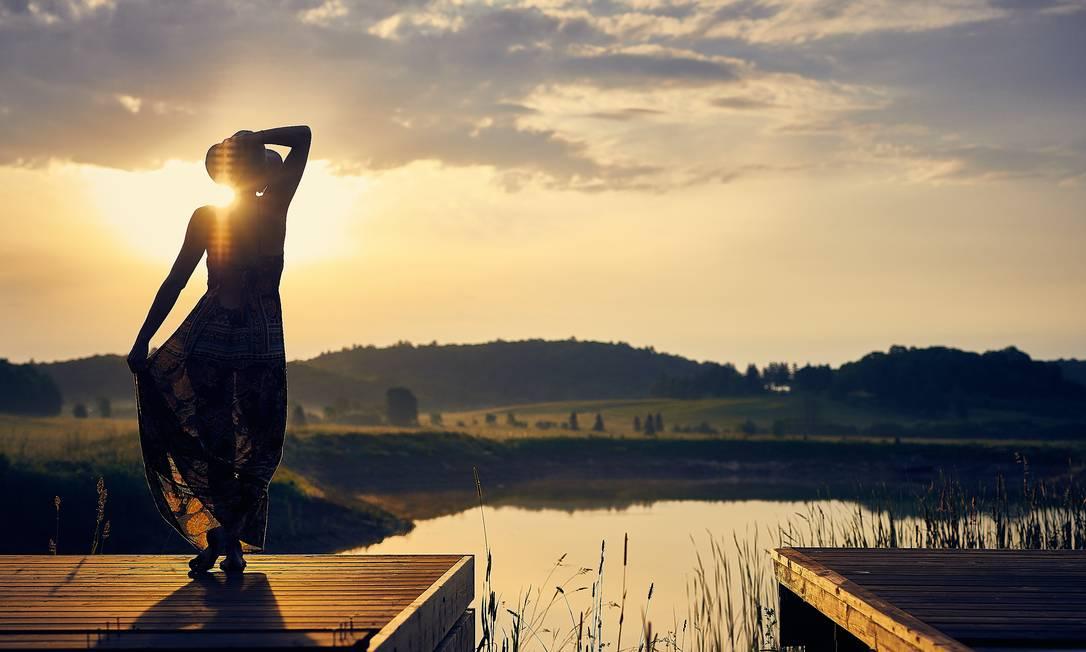 """O livro """"Vire a chave: perca peso, previna doenças, aumente sua disposição e viva mais"""", de James W Clement Foto: Darius Bashar on Unsplash"""