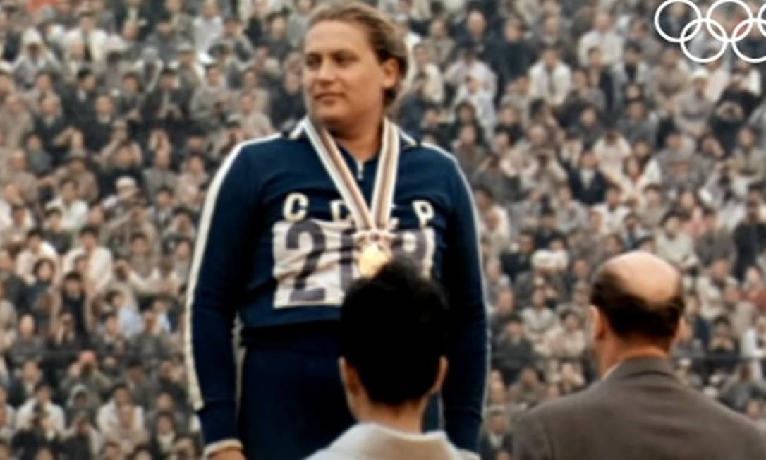 Tamara Press, a soviética tri olímpica que teve seu gênero questionado, morre aos 83 anos
