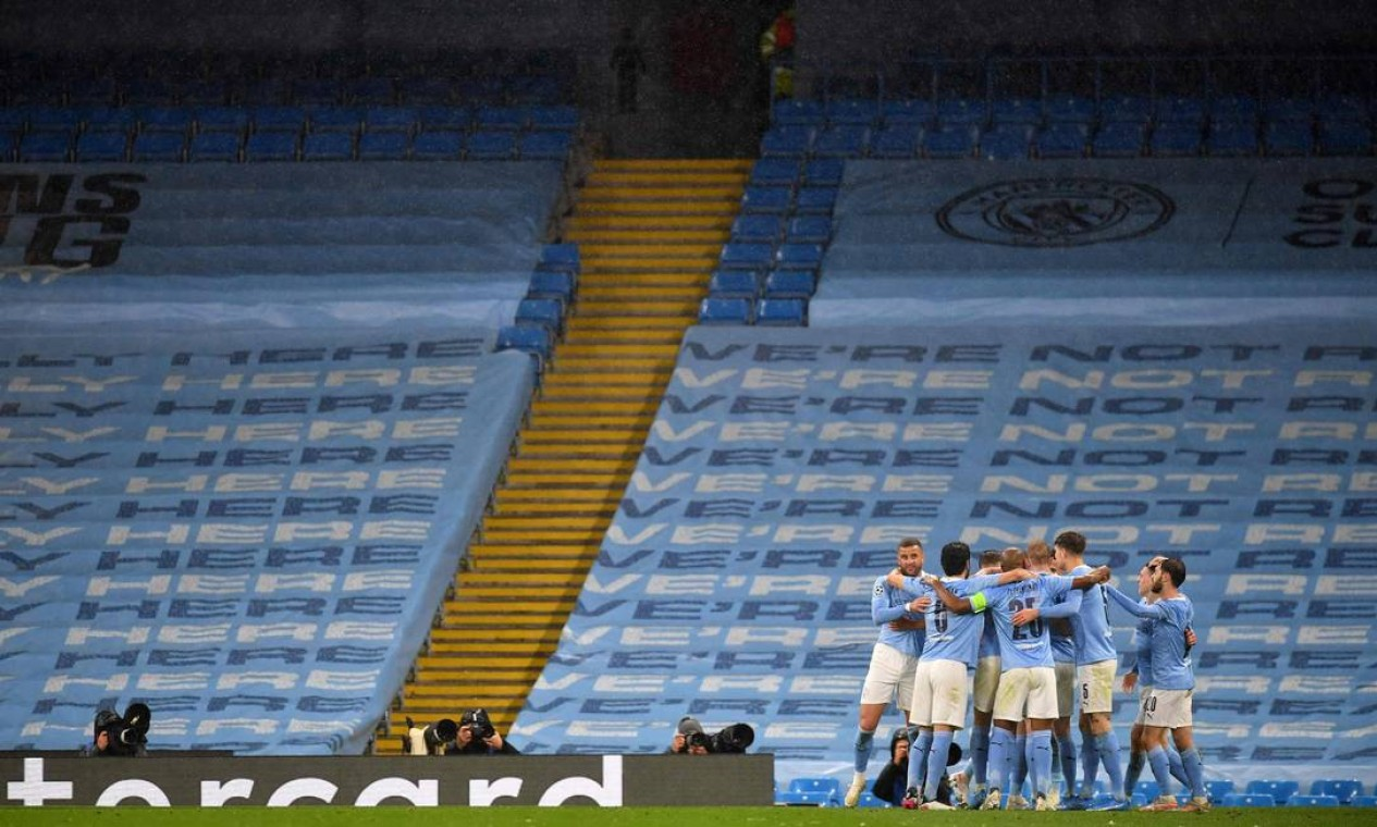 13º (empate) - Manchester City (futebol): 4 bilhoes de dólares Foto: PAUL ELLIS / AFP