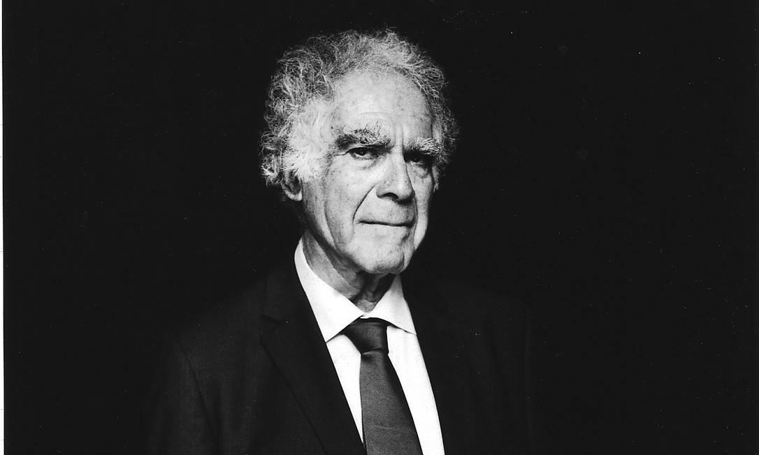"""O historiador italiano Carlo Ginzburg: """"Não podemos cair no positivismo ingênuo que diz que há fatos e ponto. Até a mentira pode ser interpretada por historiadores"""" Foto: Monica Biancardi / Divulgação"""