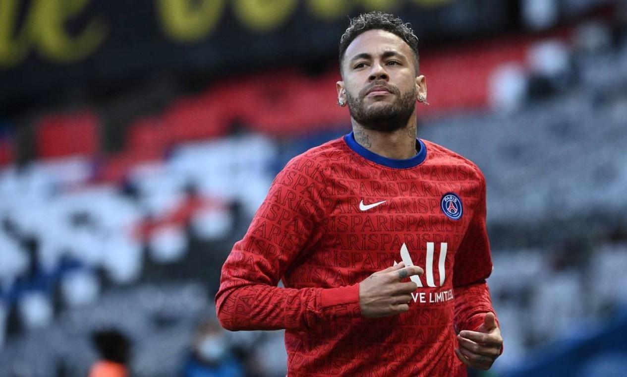 6º - Neymar (jogador do PSG): US$ 95 milhões Foto: ANNE-CHRISTINE POUJOULAT / AFP