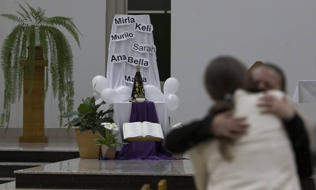 Missa em Saudades (SC) prestou homenagem às vitimas do ataque à creche 07/05/2021 Foto: Edilson Dantas / Agência O Globo