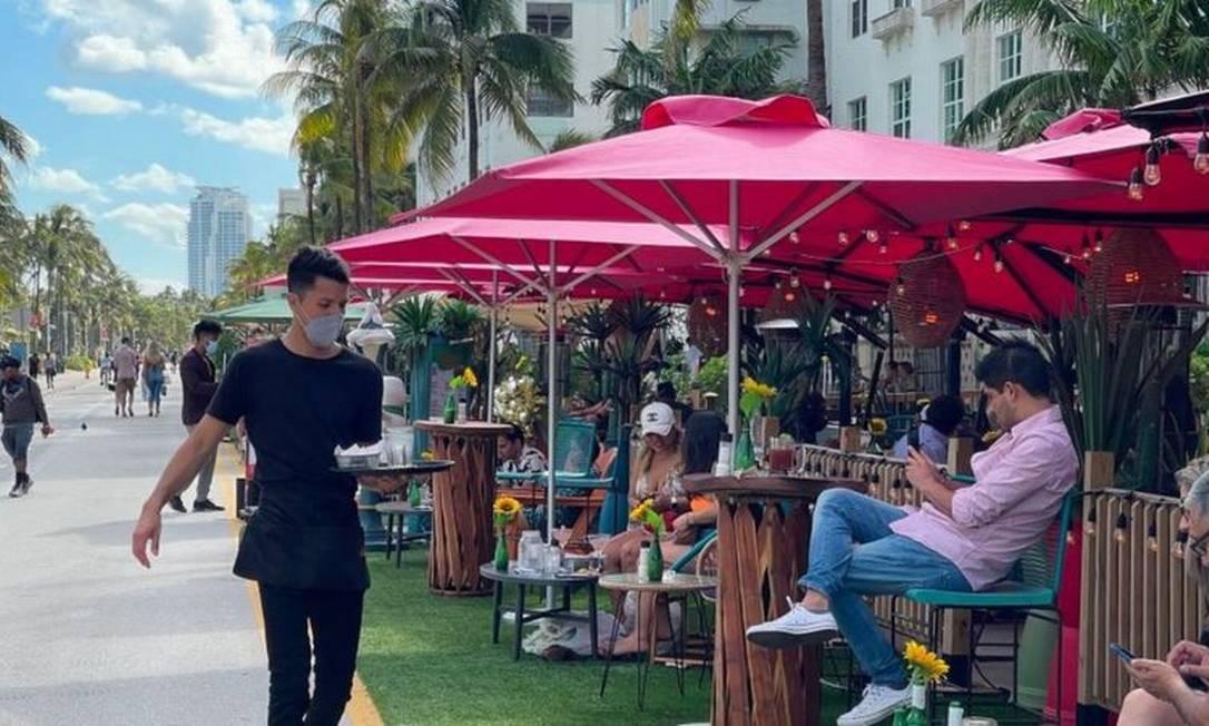 Proprietários de restaurantes na turística Miami Beach reclamam que não conseguem preencher vagas Foto: Getty Images