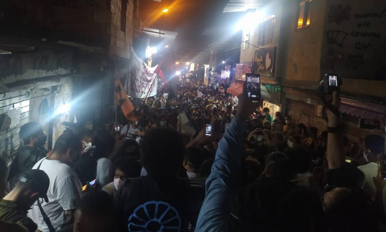 Manifestação pela morte de moradores do Jacarezinho foi realizada ao longo de tudo o dia após o massacre, que deixou 28 mortos Foto: Rio de Paz / Divulgação