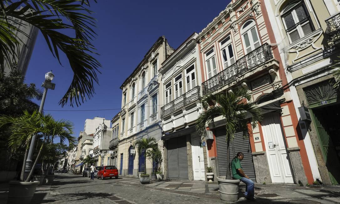 Rua do Lavradio, na Lapa, no trecho onde fica o Rio Scenarium, teve grande parte do seu comércio e bares fechados por causa da pandemia Foto: Gabriel de Paiva