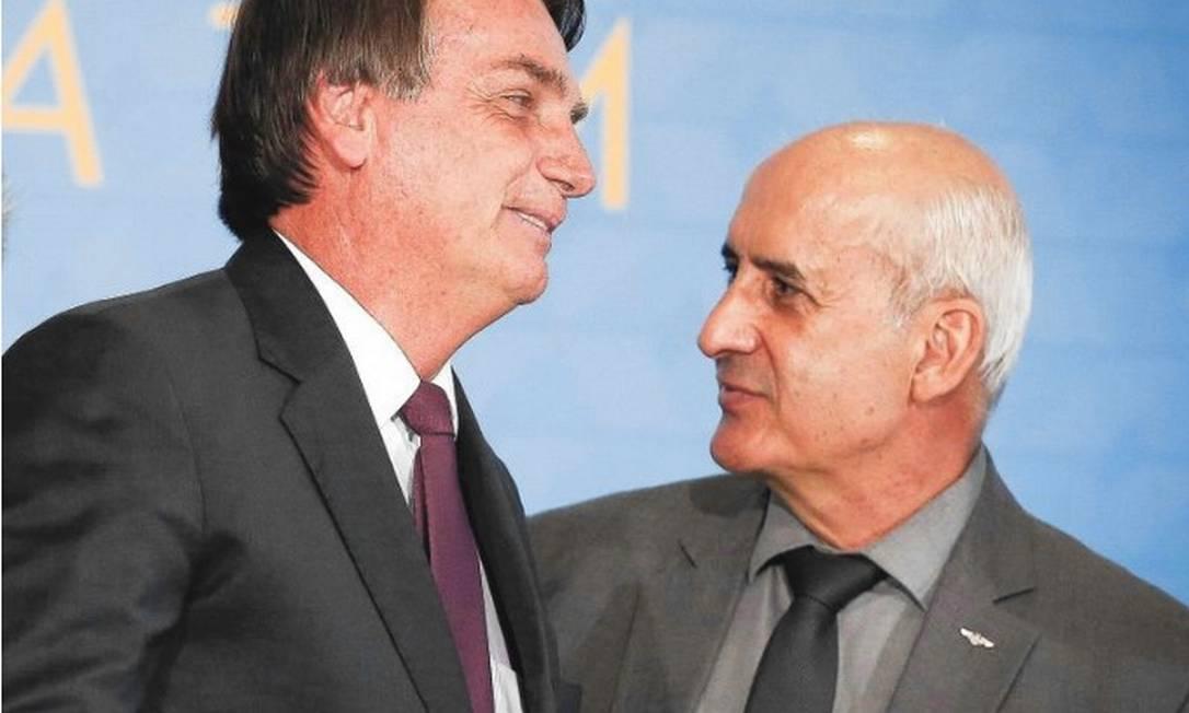 Bolsonaro com Luiz Eduardo Ramos, ex-titular da Secretaria de Governo, hoje, ministro-chefe da Casa Civil Foto: Pablo Jacob / Agência O Globo