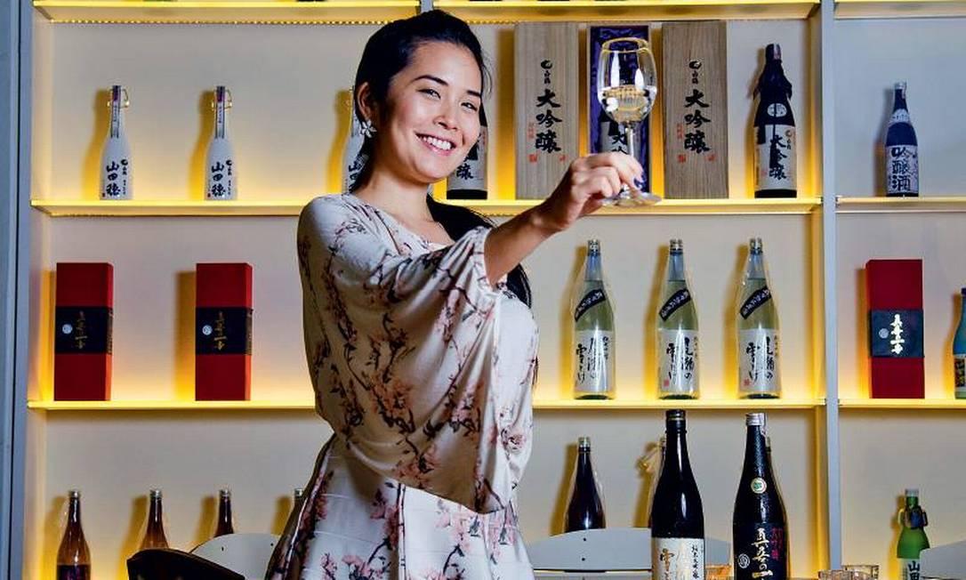 Yasmin Yonashiro, especialista em saquê Foto: Reprodução