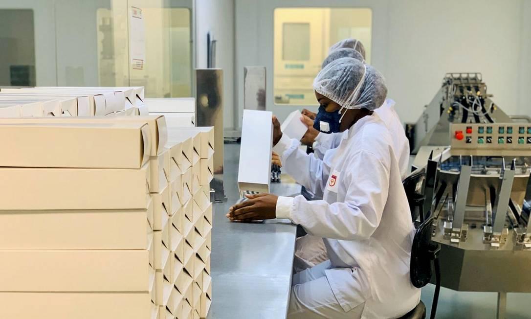 Produção de cloroquina no Laboratório Químico Farmacêutico do Exército Foto: Divulgação / Agência O Globo
