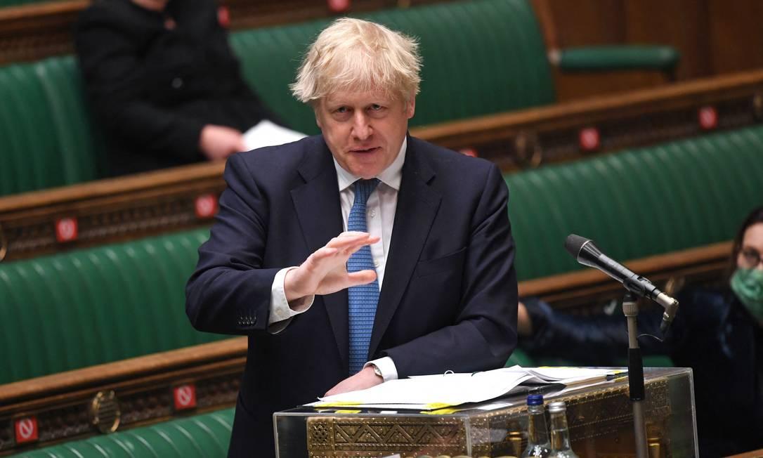 O premier britânico, Boris Johnson, anuncia nova investigação sobre gestão da pandemia no Parlamento Foto: JESSICA TAYLOR / AFP