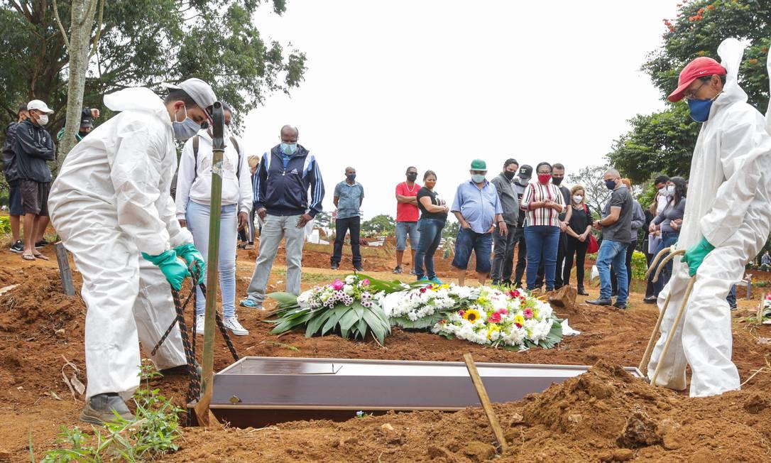 Cemitério Vila Formosa, maior da América Latina, localizado na zona leste de capital paulista Foto: Photo Premium / Agência O Globo