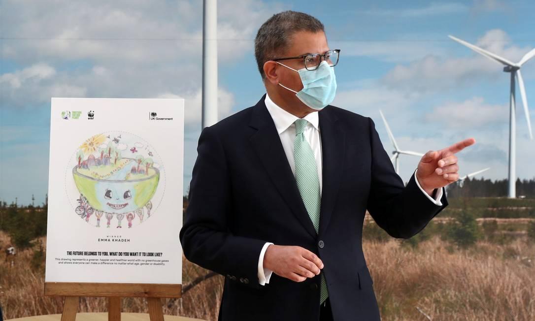O presidente da COP26, Alok Sharma, durante um evento na Whitelee Windfarm, marcando seis meses até a Conferência de Mudança Climática da ONU, em 14 de maio de 2021 Foto: RUSSELL CHEYNE / REUTERS