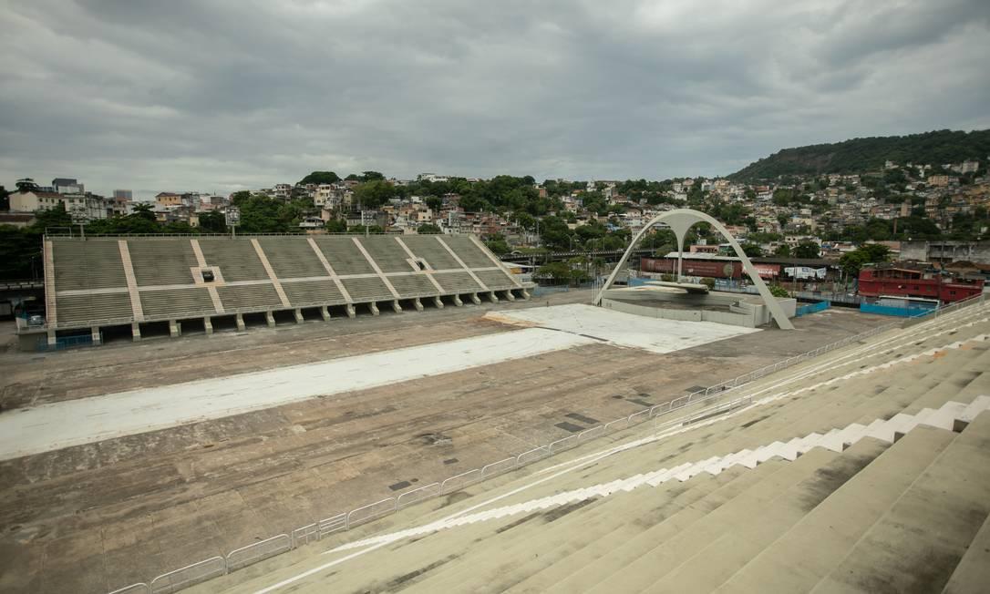 Após longo período sem público, Sambódromo vive a expectativa de ter desfile Foto: Brenno Carvalho / Agência O Globo