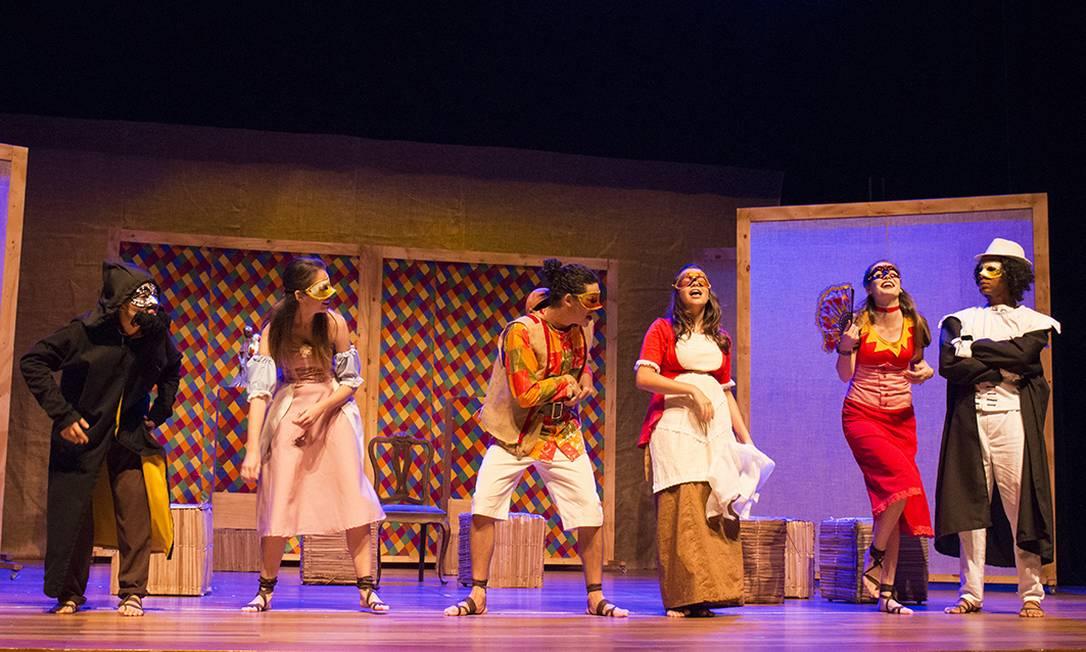Peça no teatro da Escola Sesc, com capacidade para 600 pessoas
