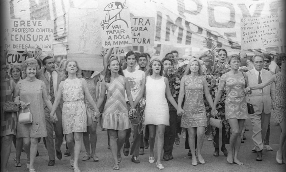Em 1968, as atrizes Eva Todor, Tonia Carreiro, Eva Wilma, Leila Diniz, Odete Lara e Norma Bengell foram às ruas na luta contra a censura durante a ditadura militar Foto: Gonçalves/CPDoc JB / Agência O Globo