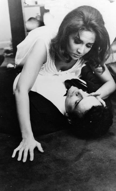"""Cena do filme""""São Paulo S/A"""", de Luiz Sergio Person: longa de 1965, estrelado por Eva Wilma e Walmor Chagas, está disponível no Globoplay"""