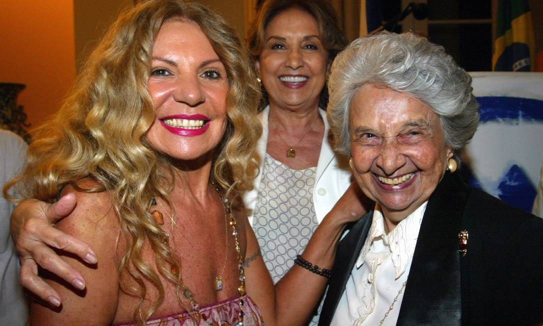 Elba ramalho, Eva Wilma e Maria Alzira juntas no Dia Internacional da Mulher Foto: Marcos Ramos / Agência O Globo
