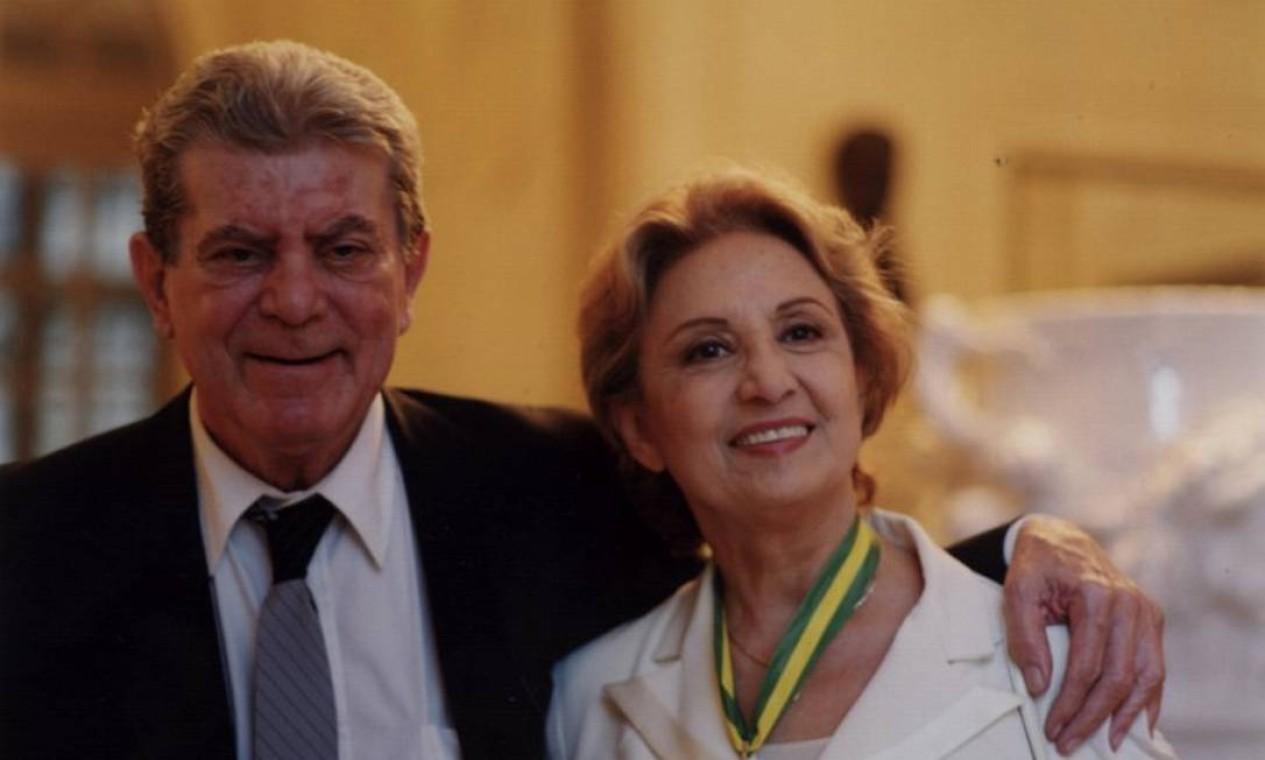 O casal quando Eva Wilma recebeu a medalha João Ribeiro, pelo conjunto de sua obra Foto: Divulgação / O GLOBO