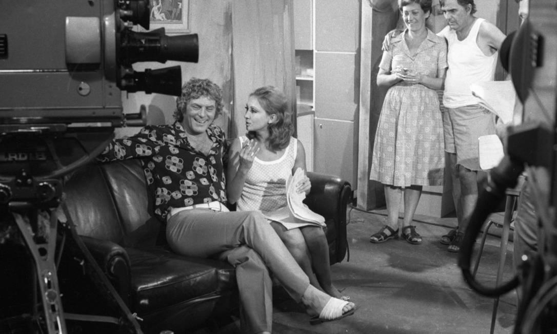 """O casal na gravação da primeira versão da novela """"Mulheres de areia"""", em 1973: na década de 1970, os dois se tornaram um dos principais pares românticos da TV brasileira Foto: Marcio Arruda / O GLOBO"""